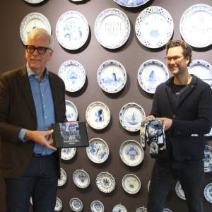 Haal een Delfts Blauw voetje bij Royal Delft