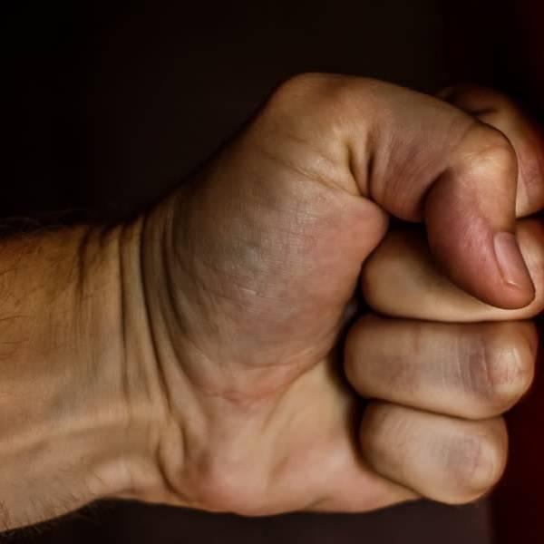 Celstraffen geëist tegen Delftenaren vanwege geweld tegen hulpverleners met Oud & Nieuw
