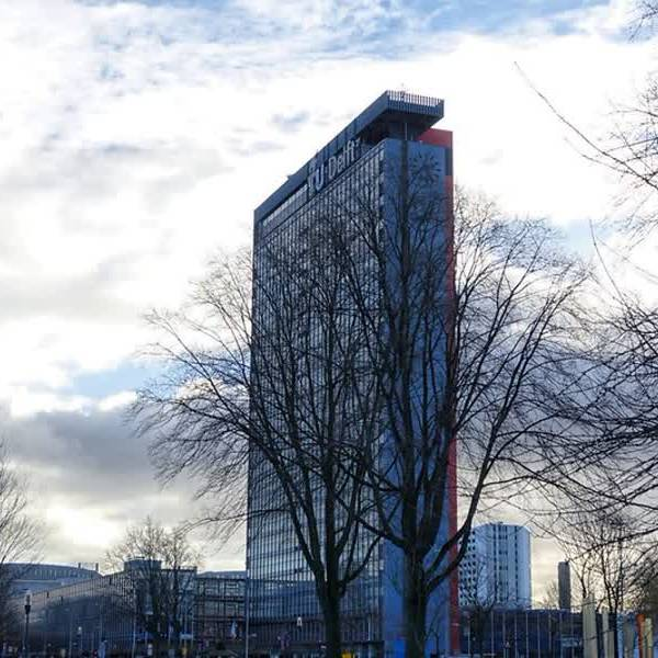 TU Delft hoogbouw EWI voldoet niet aan brandveiligheidseisen