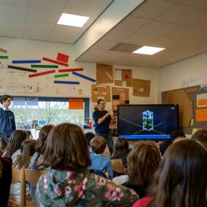 TU studenten bouwen satelliet voor onderwijsprojecten