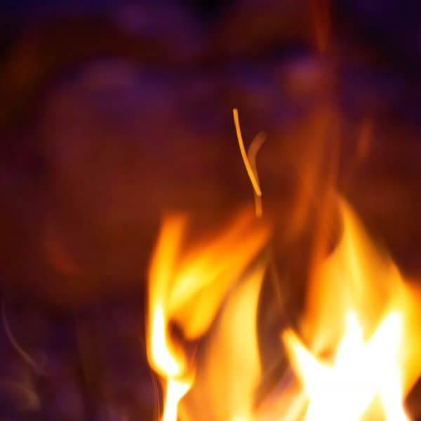 Brand bij een woning aan het Blekerhof in Delft, boosdoener blijkt een strijkplank