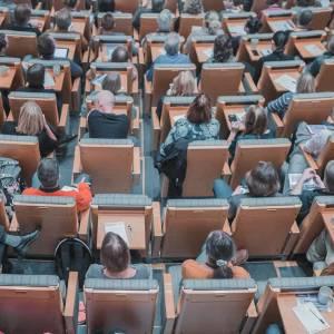 Eerstejaars studenten betalen de helft van de helft: 542 euro