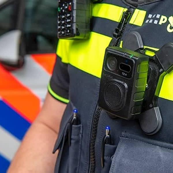 Politie krijgt melding van schietpartij bij Coop supermarkt Nassaulaan in Delft