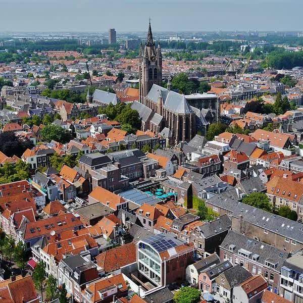 Ontdek de ontwikkelingen van Nieuw Delft tijdens een fietstocht of een les tai chi
