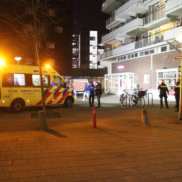 Vrouw neergestoken bij een straatroof op de Artemisstraat in Delft