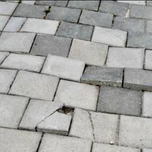 Straat in Delft 'wint' zorgelijke titel: hier ligt de gevaarlijkste stoep van Nederland