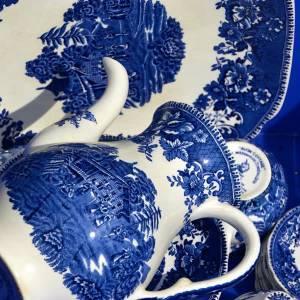 Grote daling in verkoop van Delfts blauw, zo gingen Delftse ondernemers ermee om