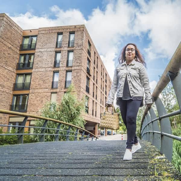Overspannen woningmarkt in beeld: deze Delftenaren zijn al jaren op zoek naar een huis