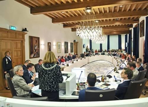 Delftse politici reageren op begroting: 'Maatregelen zijn onontkombaar'